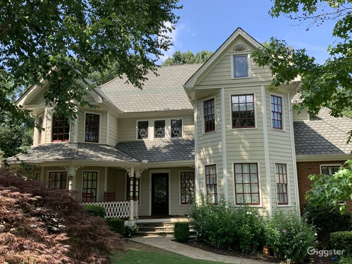 Victorian inspired house in Roswell, Georgia