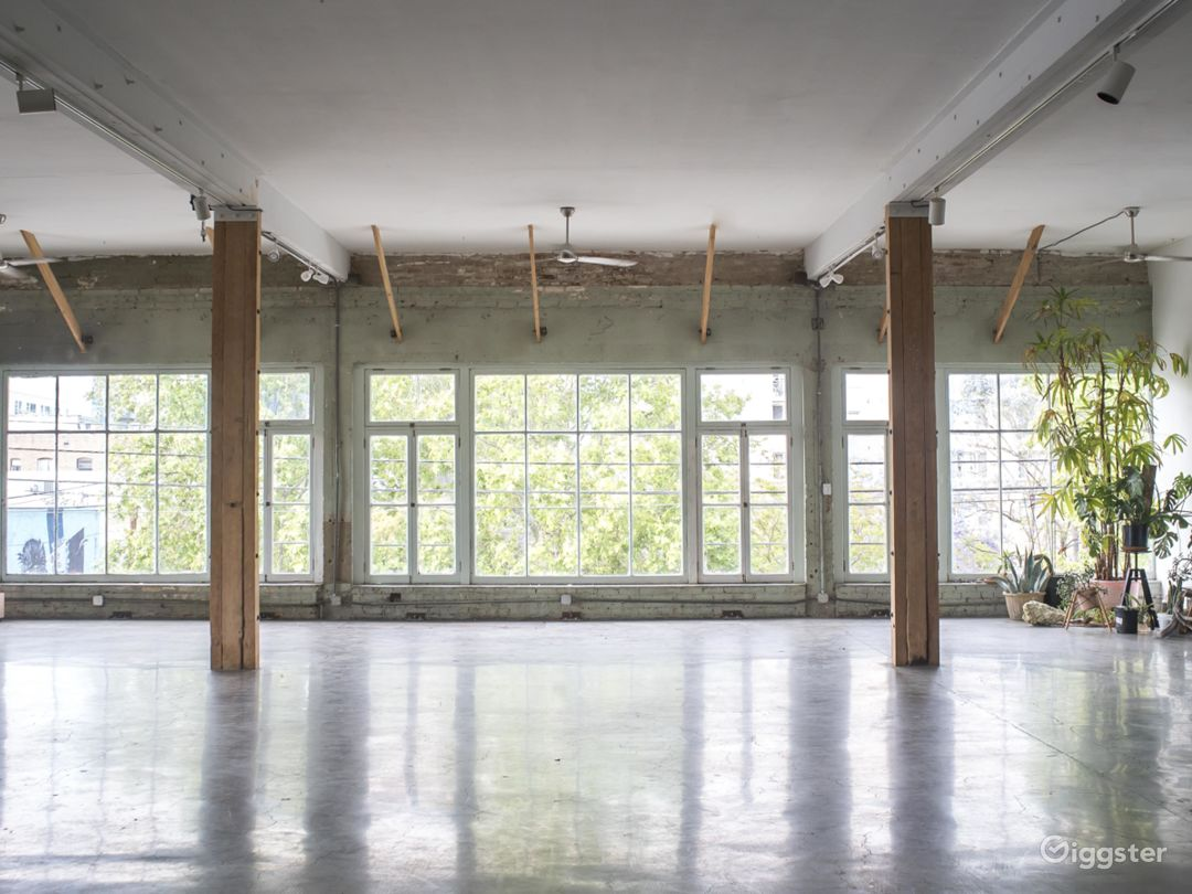 Warehouse Loft with Stunning Windows and Detail Photo 1