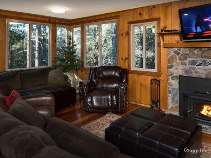 Cabin in Wawona among the Redwoods Photo 2