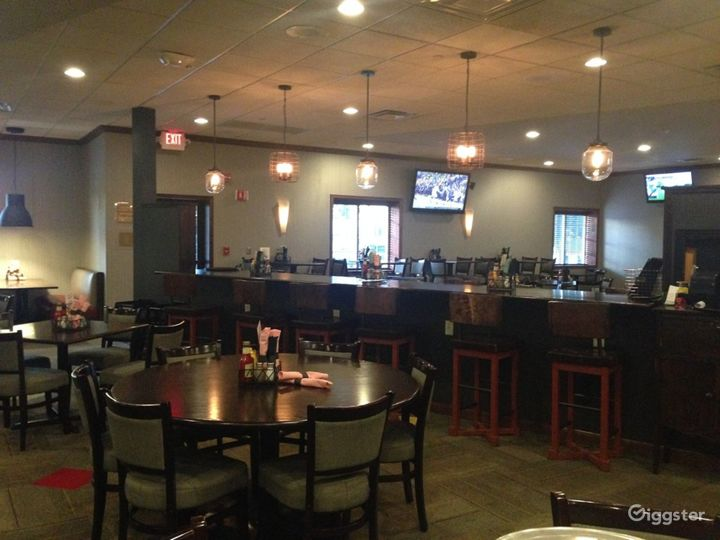 Potter's Lounge & Restaurant in Kalamazoo Photo 3