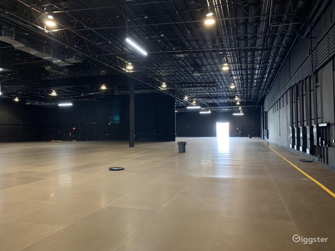 Stage 9  20,280 sq ft  Wood over Concrete Floor 4,800 amps power