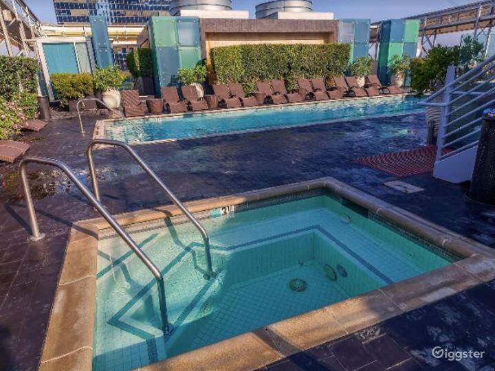 Rooftop with Pool in LA Photo 2