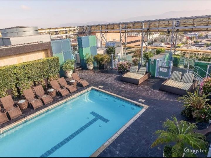 Rooftop with Pool in LA Photo 5