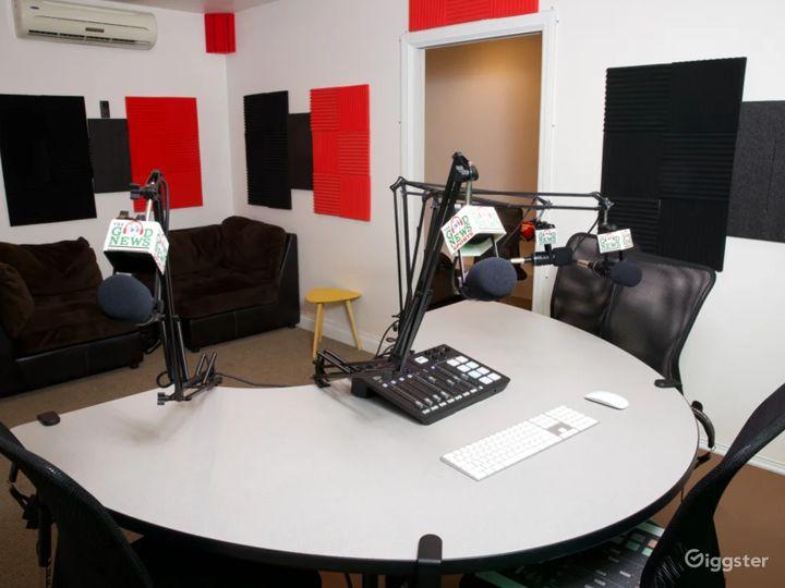 Stylish South Bay Podcast & Recording Studio Photo 4