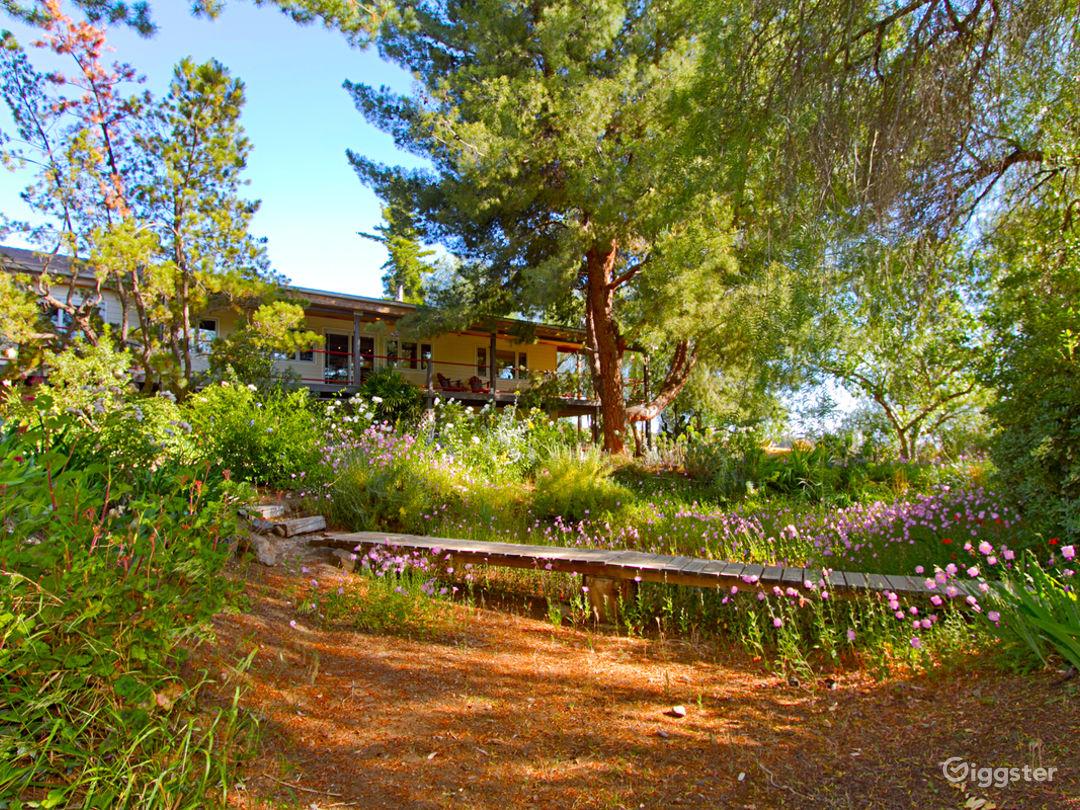 Luxury European Style Cabin located on 4.5 acres Photo 4
