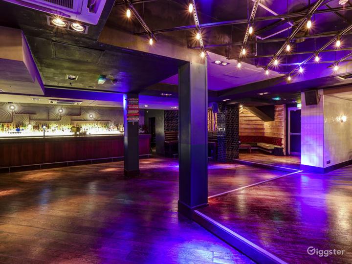 Stylish Inner City Cocktail Bar & Club Photo 5