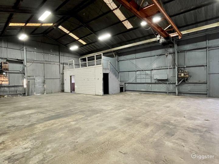 Industrial Warehouse Studio with Crane Photo 4