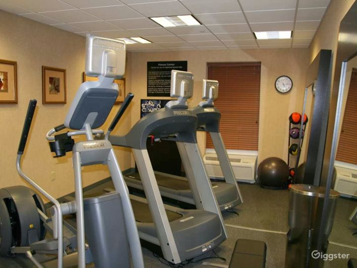 Modern Hotel Gym in Lakeland Photo 5