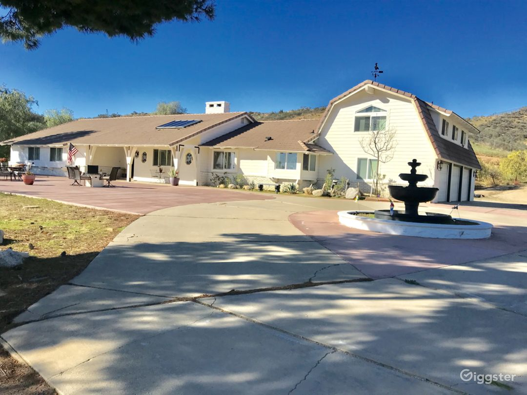 4,000 square foot , 6 bedroom ranch house