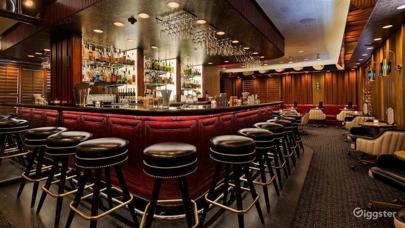 Stunning Hotel Bar  Photo 1