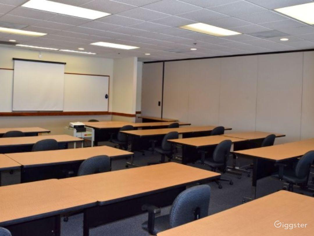 Bright Training Classroom in Redwood City Photo 1