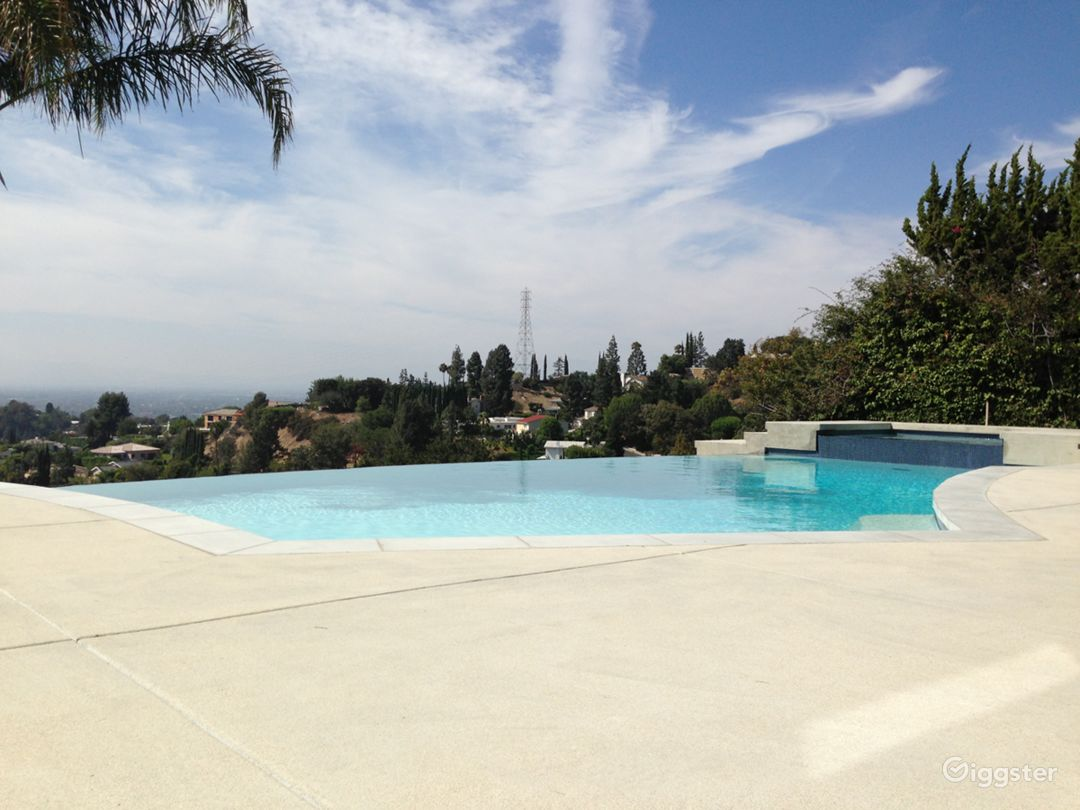 Hollywood Hills Infinity Photo 1