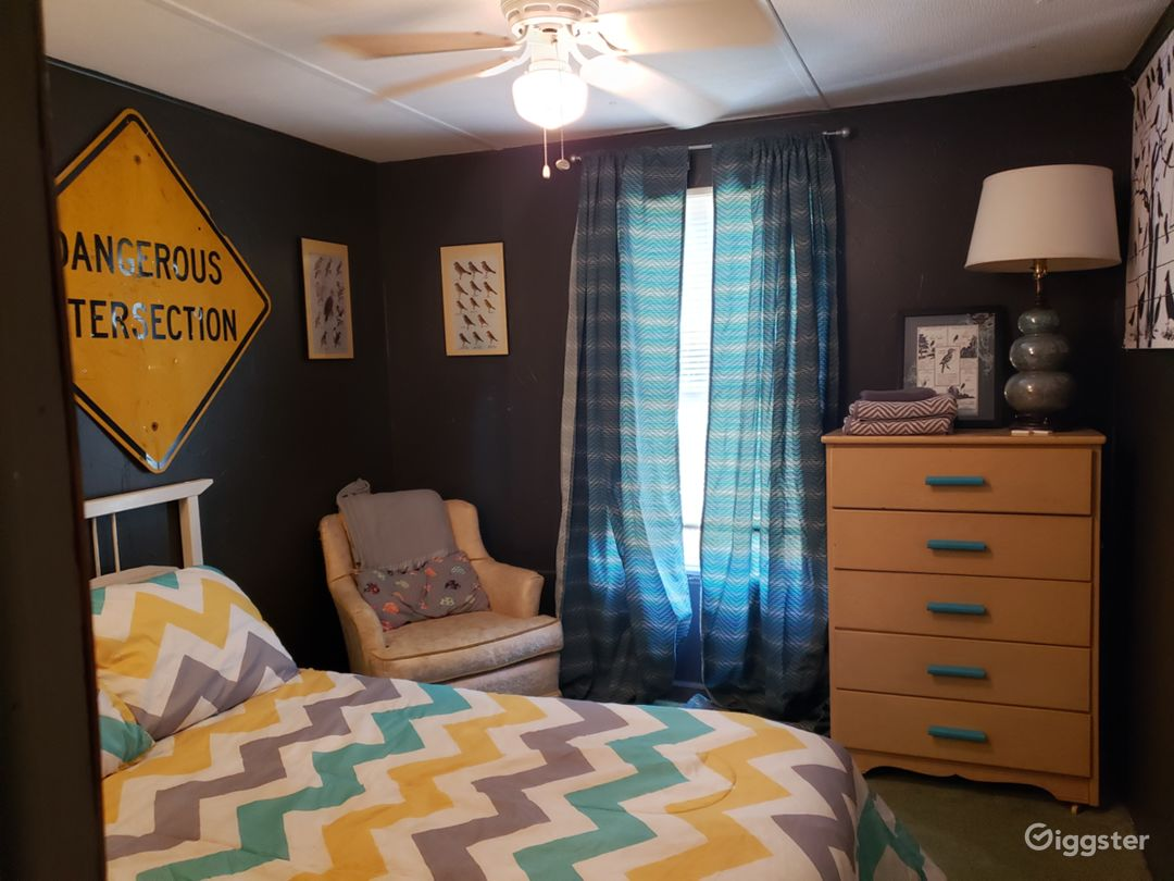 The retreat center has 2 houses with creatively decorated rooms and communal spaces. There are 5 bedrooms, 2 living rooms, 2 kitchens, and more workspaces including small barns and a garage style studio with pottery equipment.