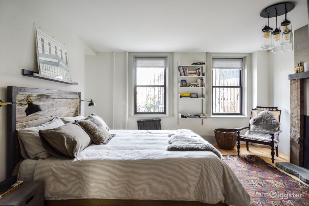 Superb Nyc 163 Large Apartment With Modern Interiors And Lots Of Light Download Free Architecture Designs Rallybritishbridgeorg