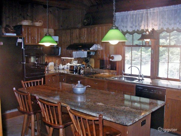 Log cabin on: Location 2293 Photo 5