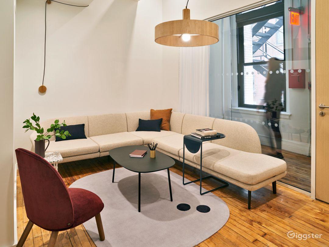 Premium Salon-Like Meeting Room in SoHo  Photo 1