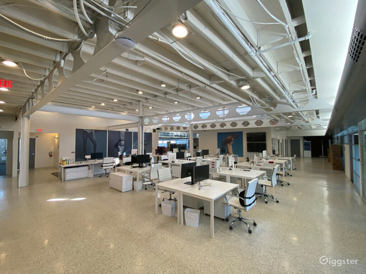 Creative Open Office Space with High Ceilings  Photo 5