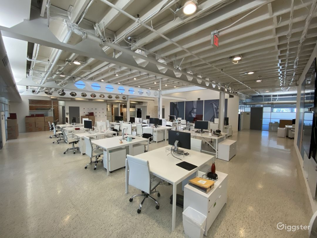 Creative Open Office Space with High Ceilings  Photo 1