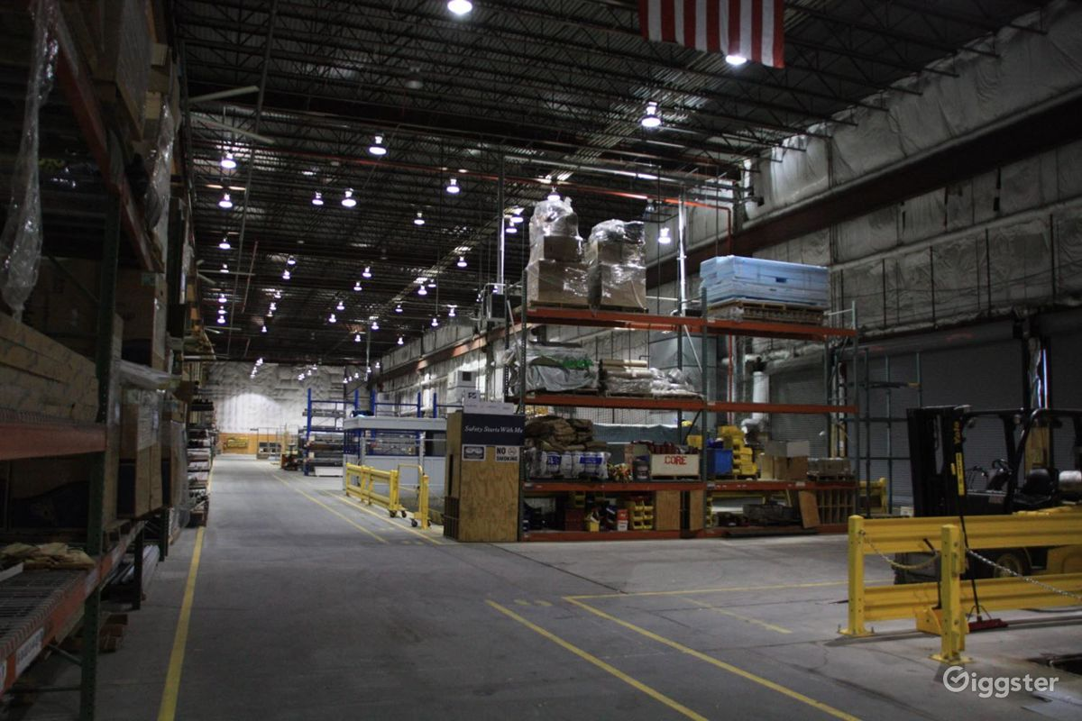 Industrial Warehouse with Heavy Machinery in Brooklyn New York Rental