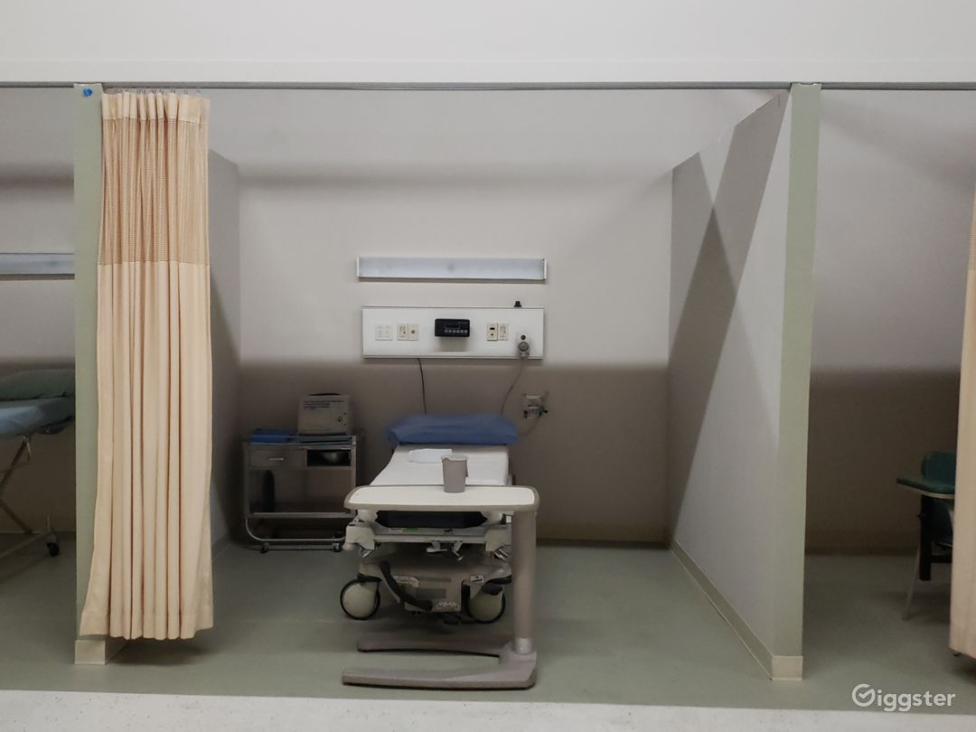 Hospital Set - ER, OR, NICU, Exam/Recovery rooms Photo 5