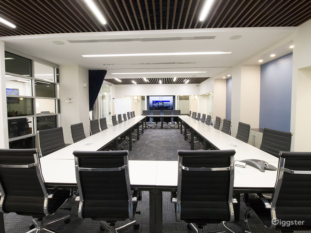 Times Square, Large Modern Conference Room  Photo 3