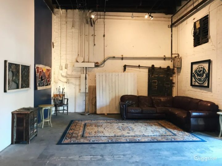 Gallery and project space located in the Central Business District of New Orleans Photo 2