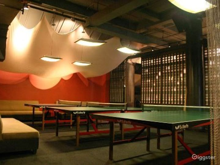Club, restaurant, bar and event space: Location 4065 Photo 3