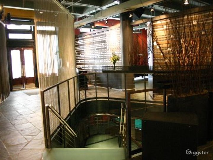 Club, restaurant, bar and event space: Location 4065 Photo 2