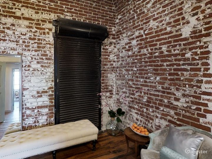 A Small Room for Photoshoots in Memphis Photo 4