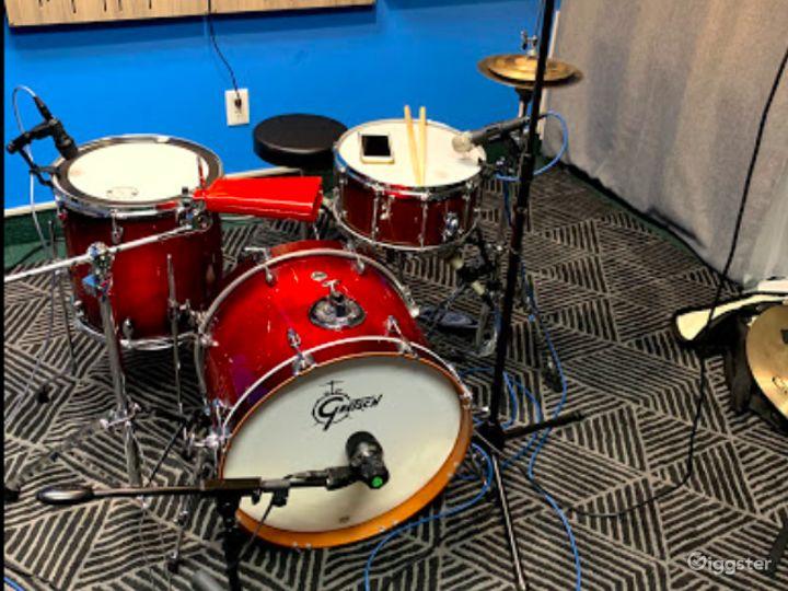 Contemporary Recording Studio in Fort Lee Photo 2