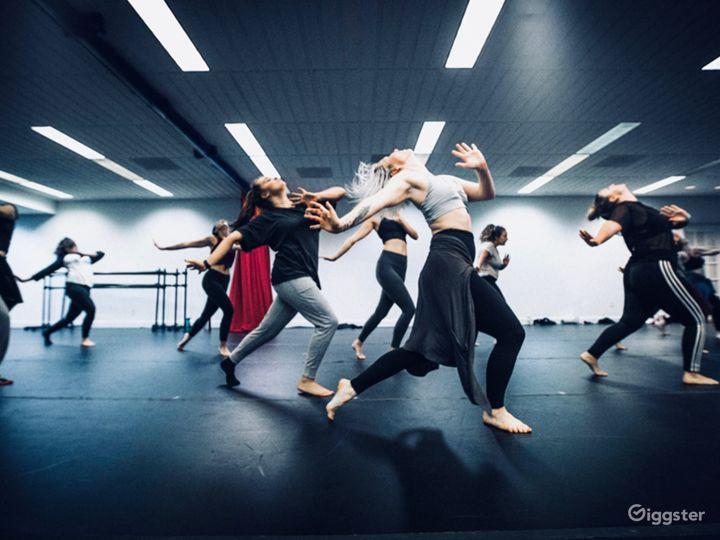 1200 sq. ft. Black Velvet Dance studio in Charleston Photo 5