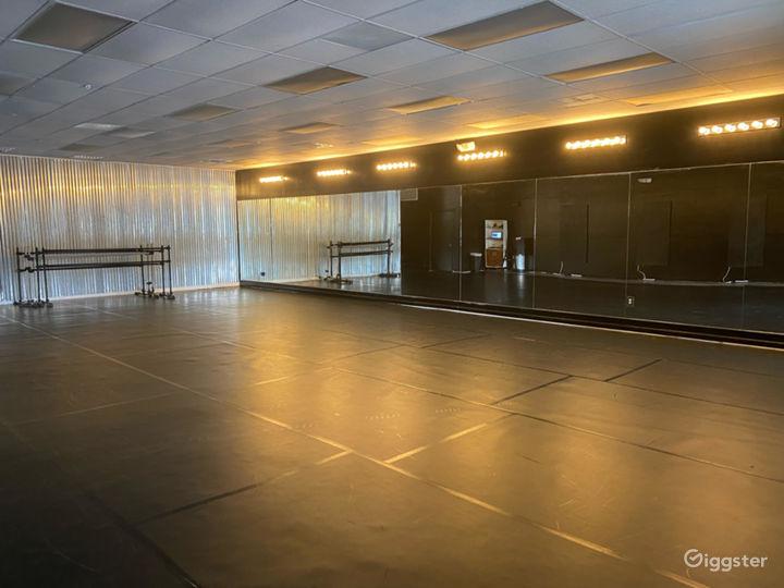 1200 sq. ft. Black Velvet Dance studio in Charleston Photo 3