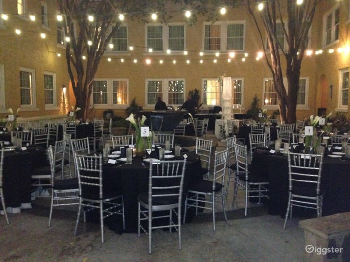 Relaxing and Quiet Courtyard in Atlanta Photo 2