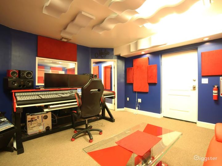 Full Service Studio at Downtown Fremont  Photo 3