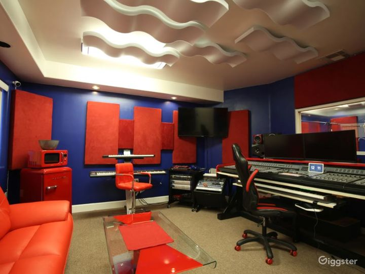 Full Service Studio at Downtown Fremont