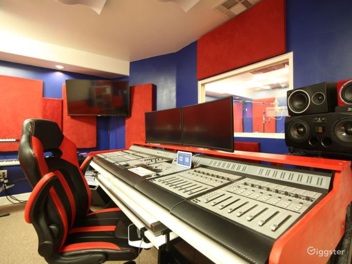 Full Service Studio at Downtown Fremont  Photo 4