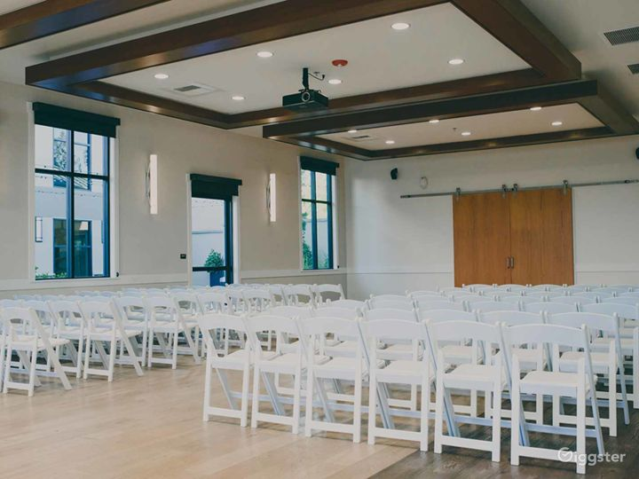 Perfect Large Conference Room with 12′ Ceilings in Fresno Photo 5