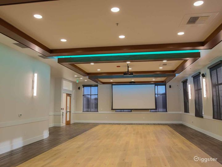 Perfect Large Conference Room with 12′ Ceilings in Fresno Photo 2