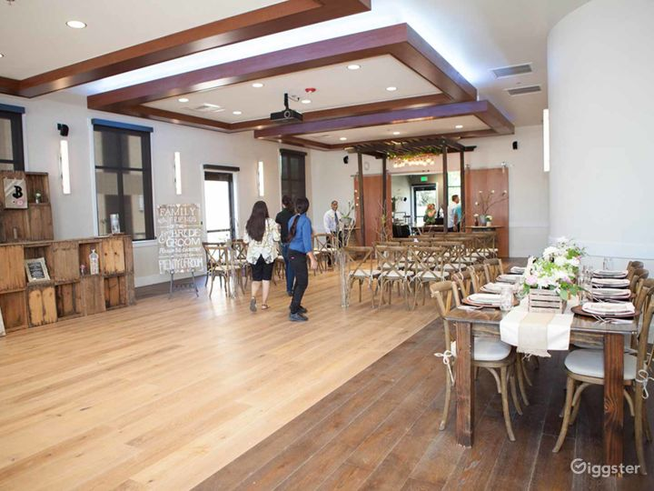 Perfect Large Conference Room with 12′ Ceilings in Fresno Photo 4