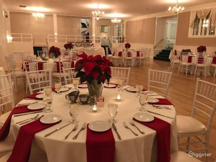 Glamorous Ballroom Setting Photo 4