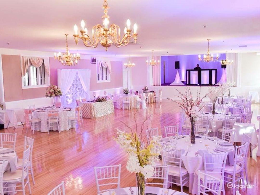 Glamorous Ballroom Setting Photo 1
