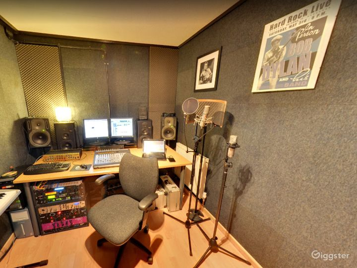 Music Academy Music Rooms, Recording Studio & Event Space Buy-out Venue in Birmingham Photo 4