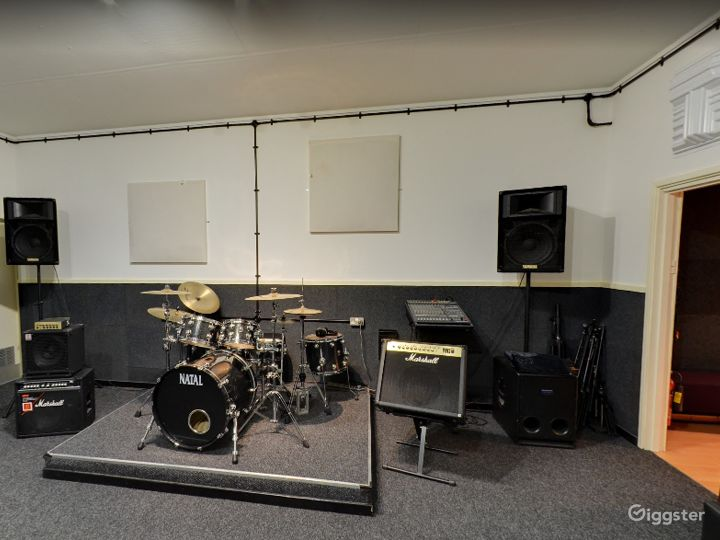 Music Academy Music Rooms, Recording Studio & Event Space Buy-out Venue in Birmingham Photo 2