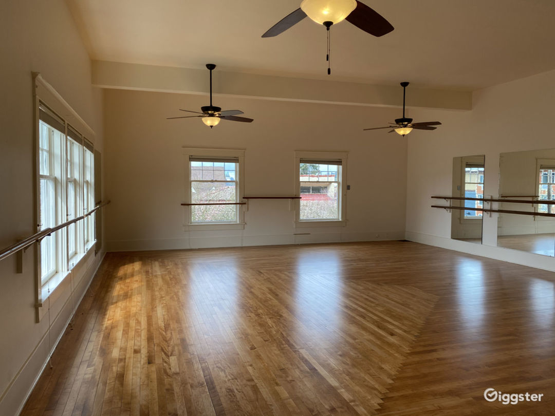 Large Dance Studio in Downtown Olympia Photo 1