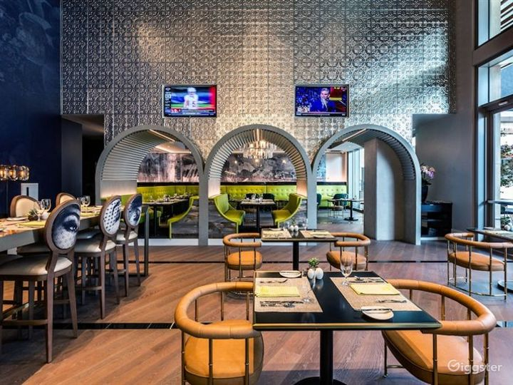 Atmospheric Bar & Lounge in LA Photo 3