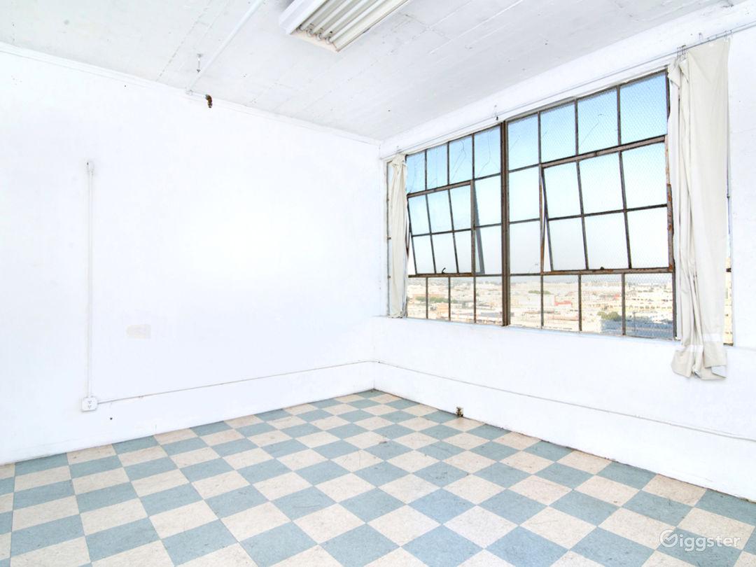 High Floor Studio, Lots of Light Photo 1