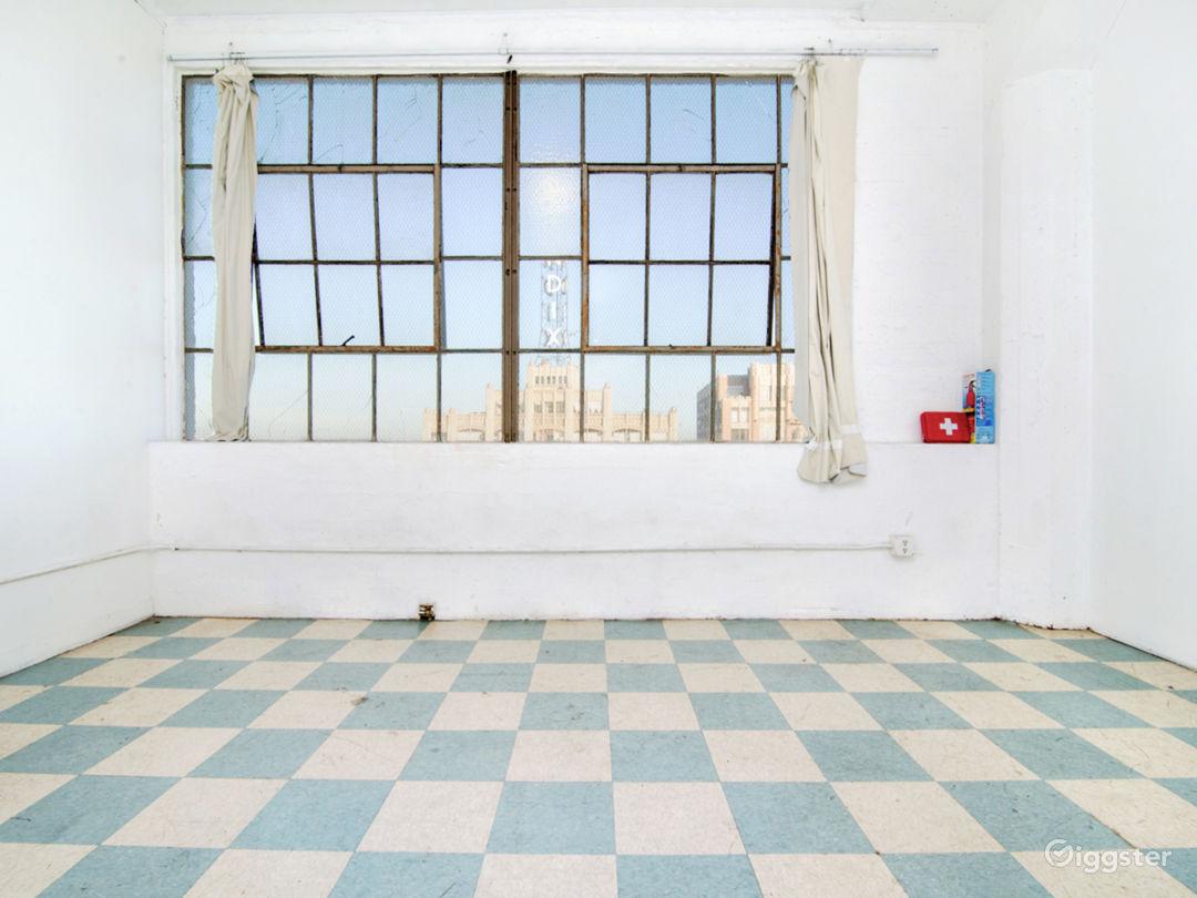 High Floor Studio, Lots of Light Photo 3