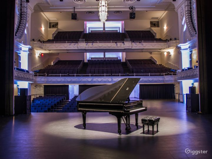 A Historic Theatre With a Pioneering Design & Sound