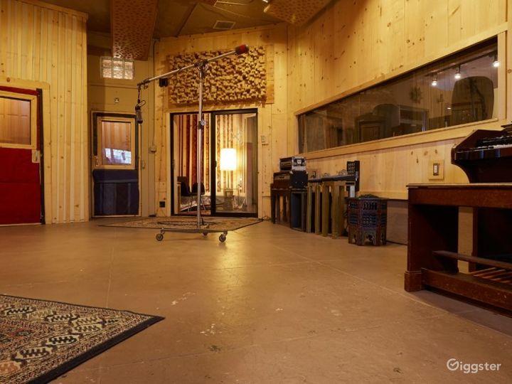 Studio A. Kingsize Soundlabs Photo 2