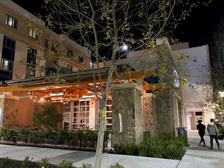 Solidly Comfortable Restaurant in Cupertino Photo 3